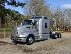 2014 KENWORTH T660 SEMI SLEEPER TRUCK