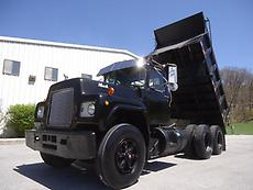 MACK R600 MODEL TANDEM DUMP TRUCK STEEL DUMP BED