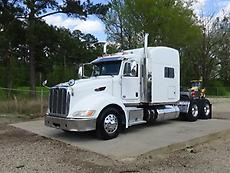 2012 PETERBILT 386 SLEEPER SEMI TRUCK