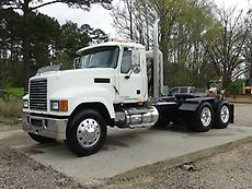 2008 MACK CHU613 PINNACLE DAY CAB SEMI TRUCK