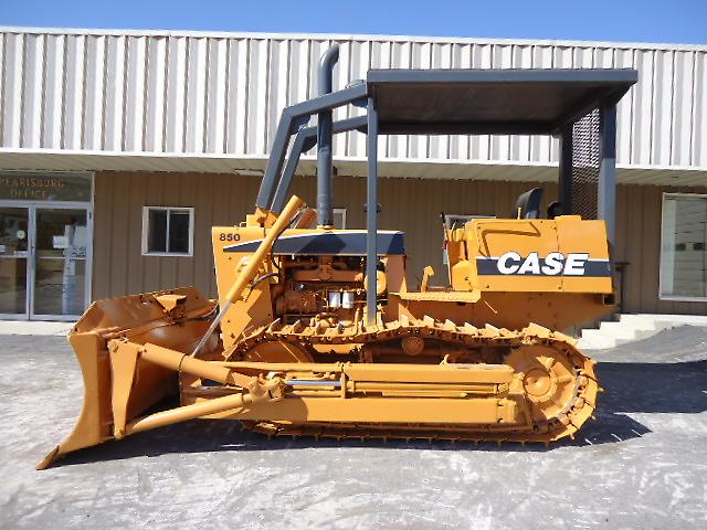 Case 850 Dozer 6 Way Hydraulic Blade Sweeps Screens Priced to Sell