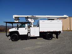 2005 GMC C7500 ALTEC LRV55 BOOM/BUCKET CHIPPER DUMP TRUCK FORESTRY ARBORIST