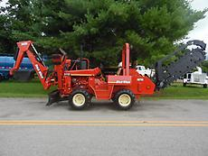 2000 DITCH WITCH 5110 DD RIDE ON BACKHOE AND TRENCHER