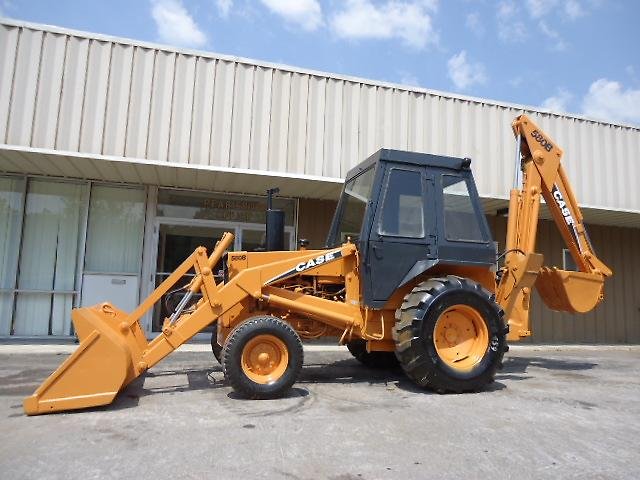 Case 580b Backhoe Loader With Cab   Brand New Drive Tires