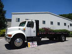 INTERNATIONAL 4700 22 FT FLATBED TRUCK DT466E LOW MILES RUNS GREAT