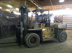 2005 CAT DP115-D 25,000 lb. Forklift
