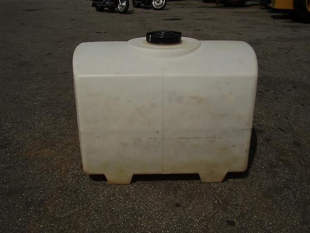 nice 200 gallon plastic water tank ebay. Black Bedroom Furniture Sets. Home Design Ideas