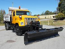 2000 INTERNATIONAL 2554 SNOW PLOW/DUMP TRUCK