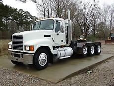 2008 MACK CHU613 PINNACLE TRI AXLE