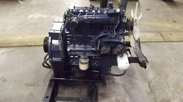 kubota 4 cylinder diesel engine model v1903 e ebay. Black Bedroom Furniture Sets. Home Design Ideas