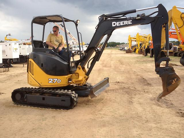 John Deere 27D Hydraulic Excavator Caterpillar Bat Crawler Track Tractor
