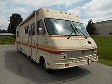 1987 FLEETWOOD BOUNDER 33' MOTOR HOME/ HUNTING CAMPER