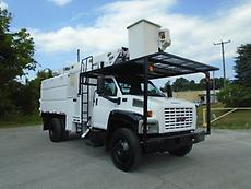 2006 GMC C7500 ALTEC LRV55BOOM/BUCKET CHIPPER DUMP TRUCK FORESTRY ARBORIST
