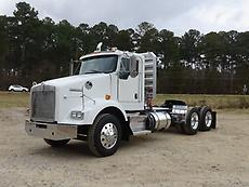2011 Kenworth T800 Day Cab Truck  Low Miles