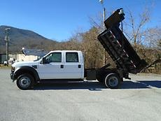 2010 FORD F550 AUTOMATIC 4X4 4DR CREW CAB DUMP TRUCK (LOW MILES)