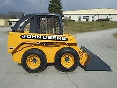 2000 JOHN DEERE 250 RUBBER TIRE SKID STEER LOADER
