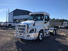2012 Freightliner Cascadia 125 Day Cab Truck