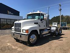 2006 Mack CHN613 Day Cab Semi Truck