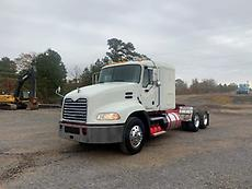 2013 Mack CXU613 Sleeper Truck