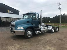 2013 Mack CXU613 Day Cab Semi Truck