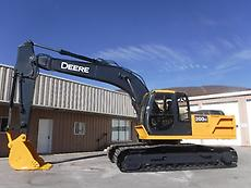 2001 JOHN DEERE 200 LC EXCAVATOR TRACKHOE  PLUMBED WITH AUXILIARY HYDRAULICS
