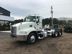 2011 Mack CXU613 Day Cab Semi Truck