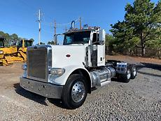 2013 Peterbilt 388 Day Cab Truck
