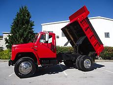 SINGLE AXLE DUMP TRUCK 10 FT BED 5 SPEED WITH 2 SPEED REAR DT466 TURBO