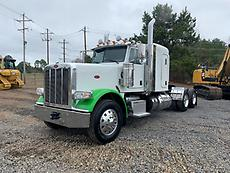 2015 Peterbilt 389 Sleeper Truck