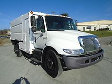 2004 INTERNATIONAL 4200 CHIPPER DUMP TRUCK FORESTRY ARBORIST