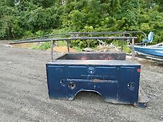 UTILITY TRUCK BED 6 1/2' WITH LADDER RACK