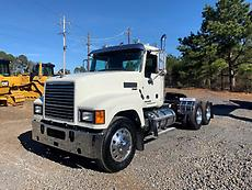 2016 Mack CHU613 Day Cab Truck